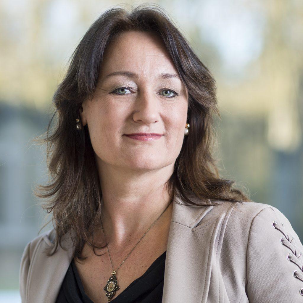 Dorine Veldhuyzen is bestuurder / directeur van Stichting CareCodex